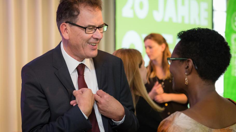 20 jahre oxfam bilder der geburtstagsfeier for Oxfam spenden