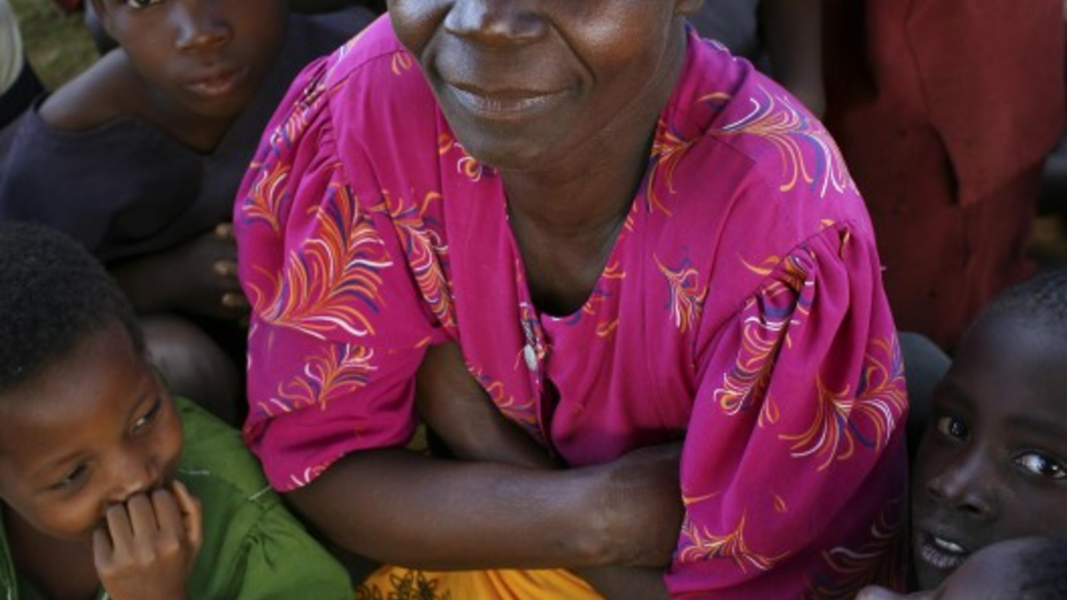 Estela Njolo hat fünf Kinder. Deren Schulbesuch hängt von einer erfolgreichen Ma
