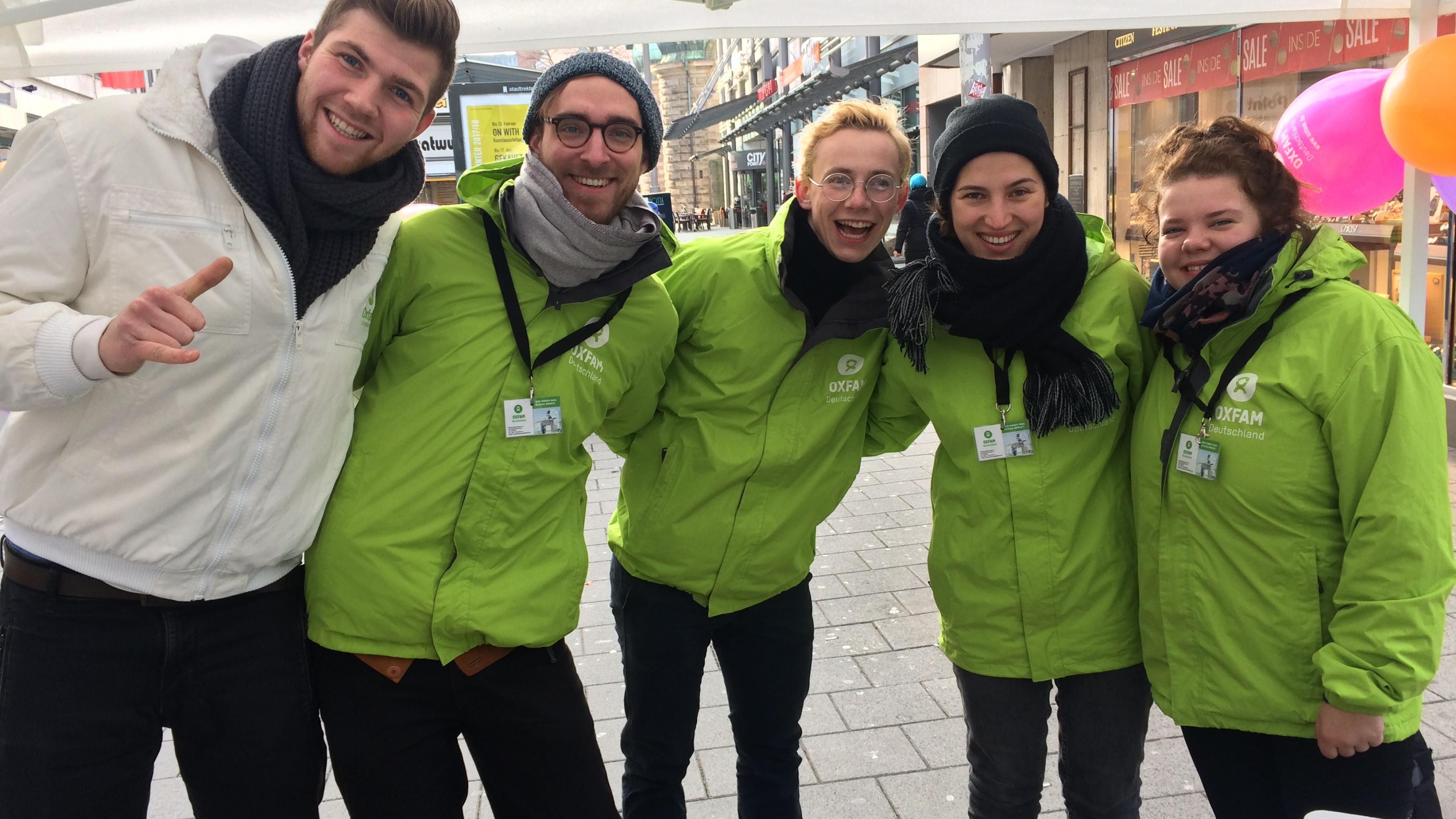 Oxfams Dialoger auf der Straße