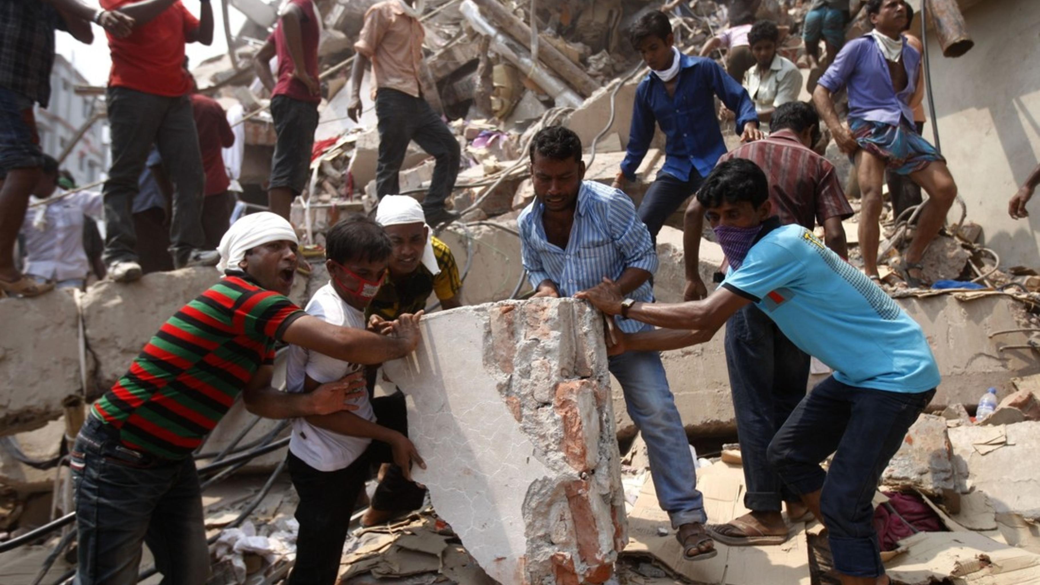 Foto: Eingestürzte Textilfabrik in Bangladesch