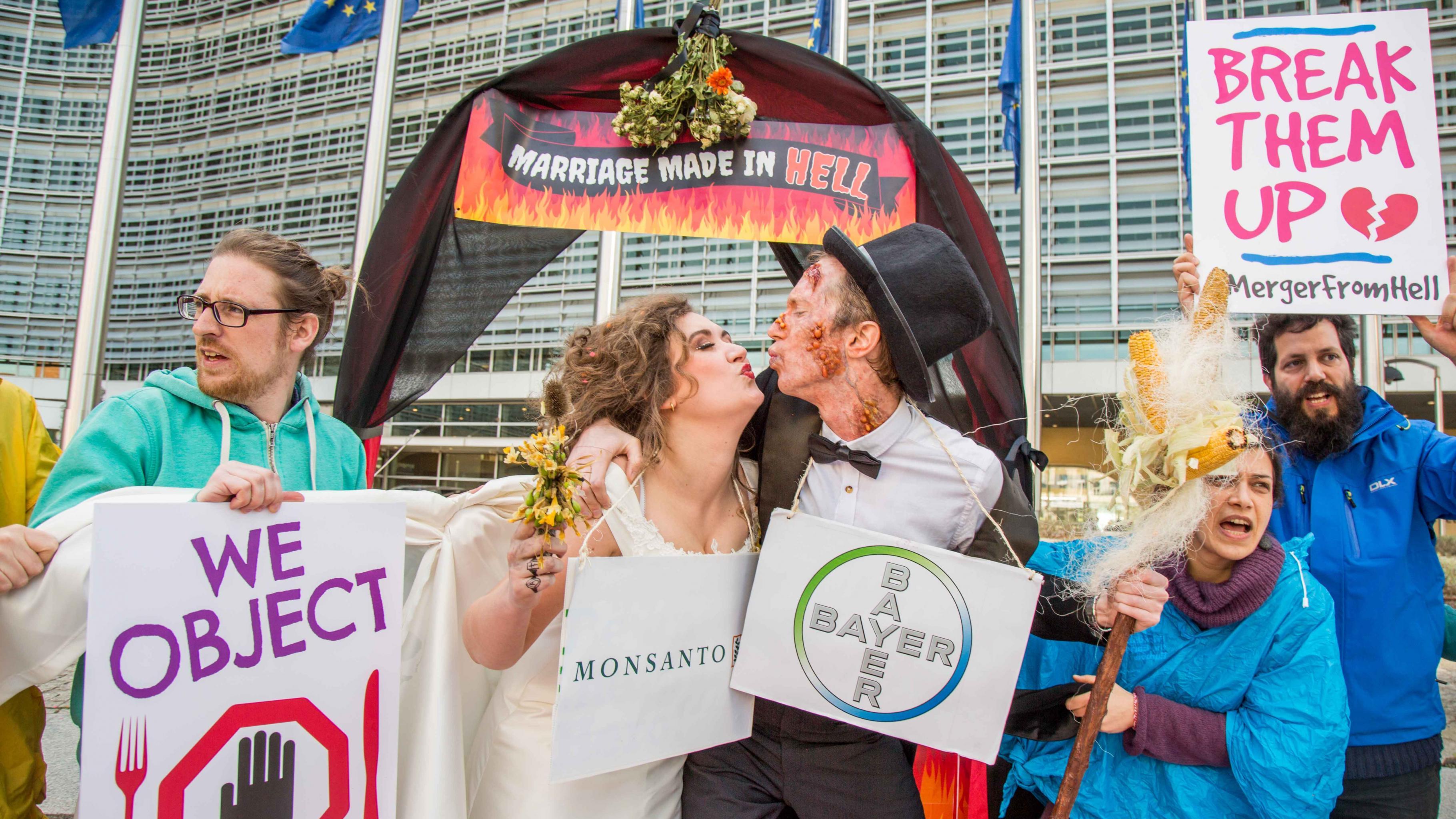 Bayer und Monsanto: Eine Ehe, die in der Hölle gemacht wurde