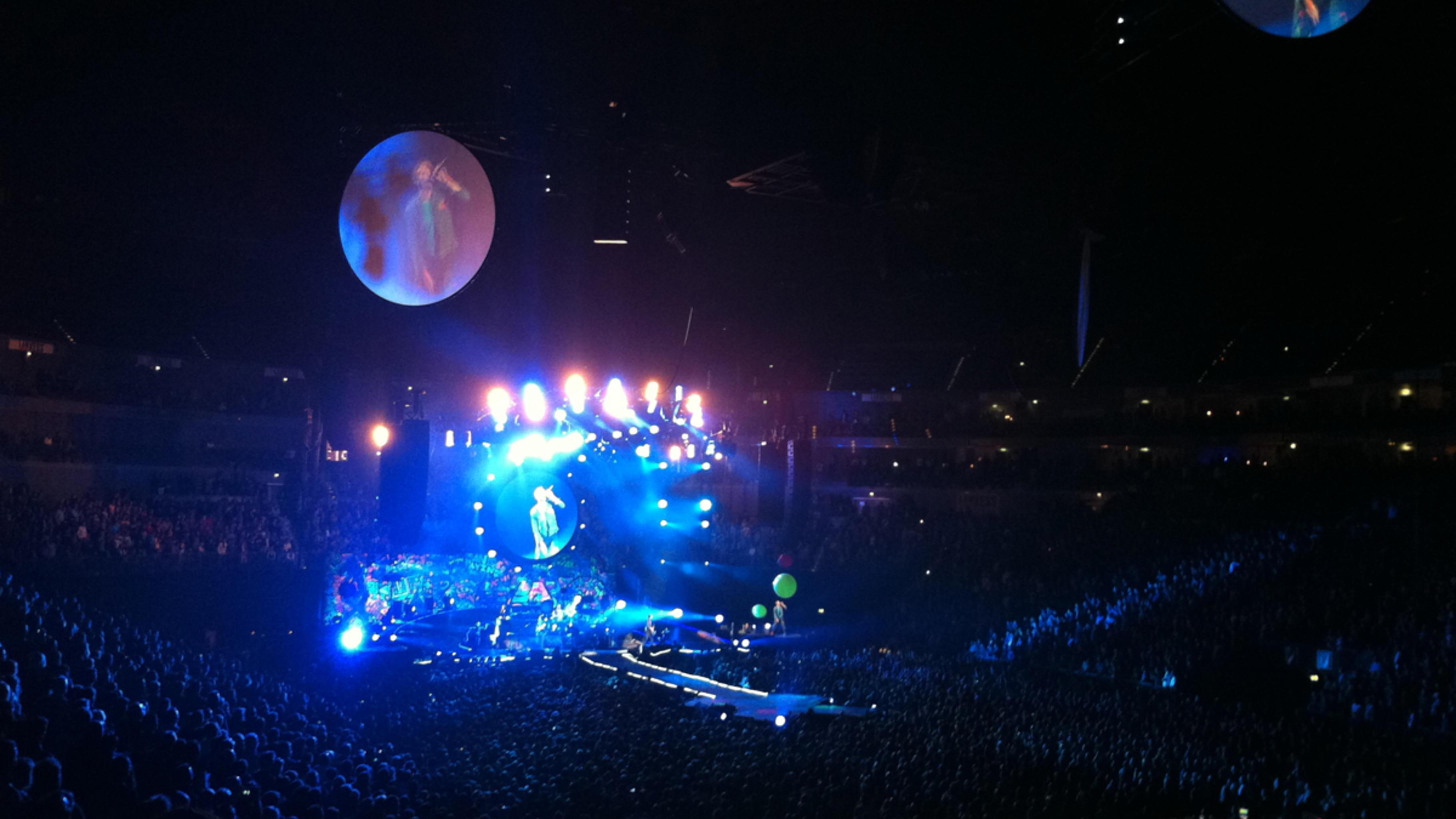 Eine bombastische Show bot Coldplay seinen Fans im Dezember 2011 in Köln.