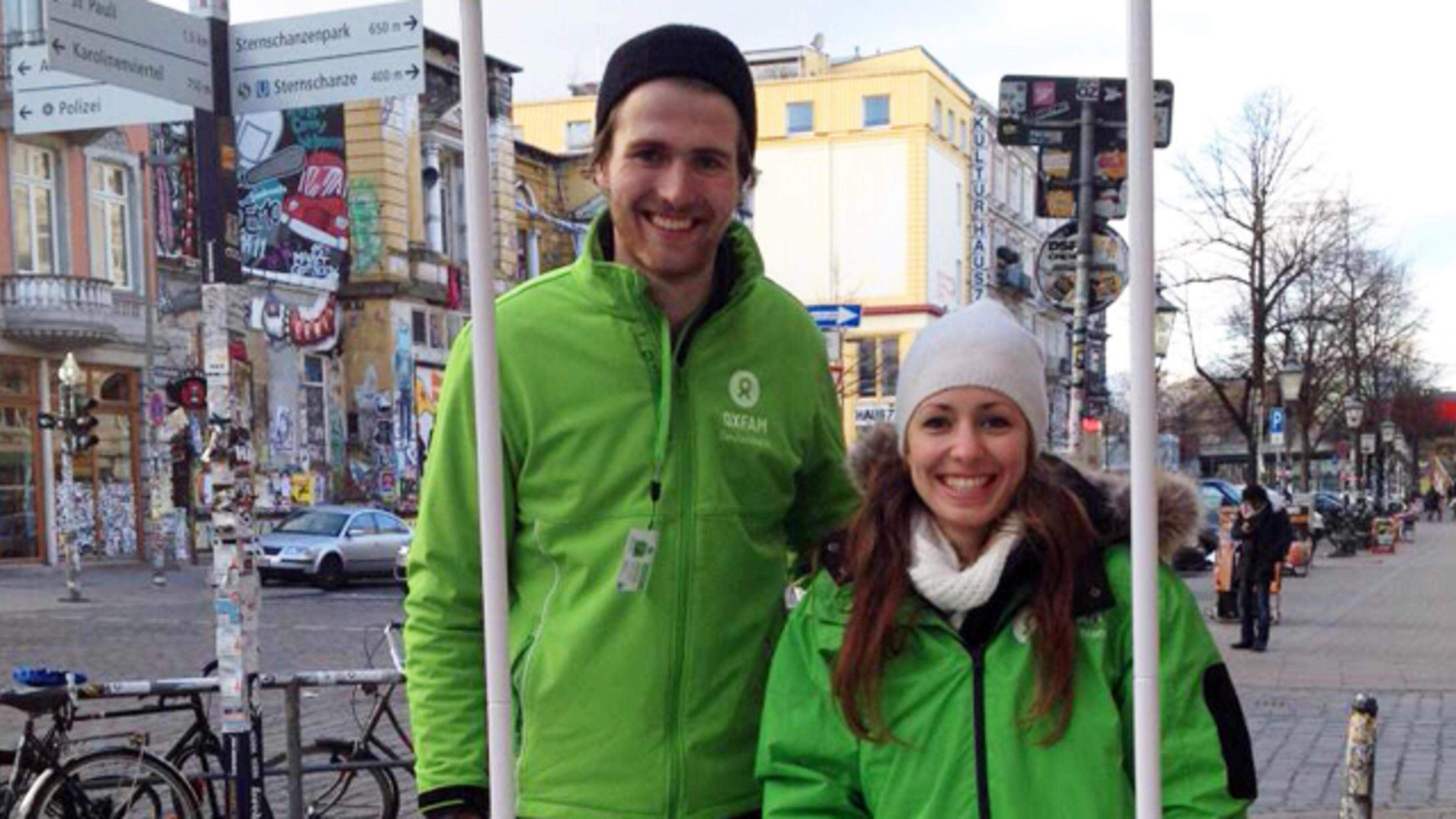 Oxfam-Infostand in Hamburg