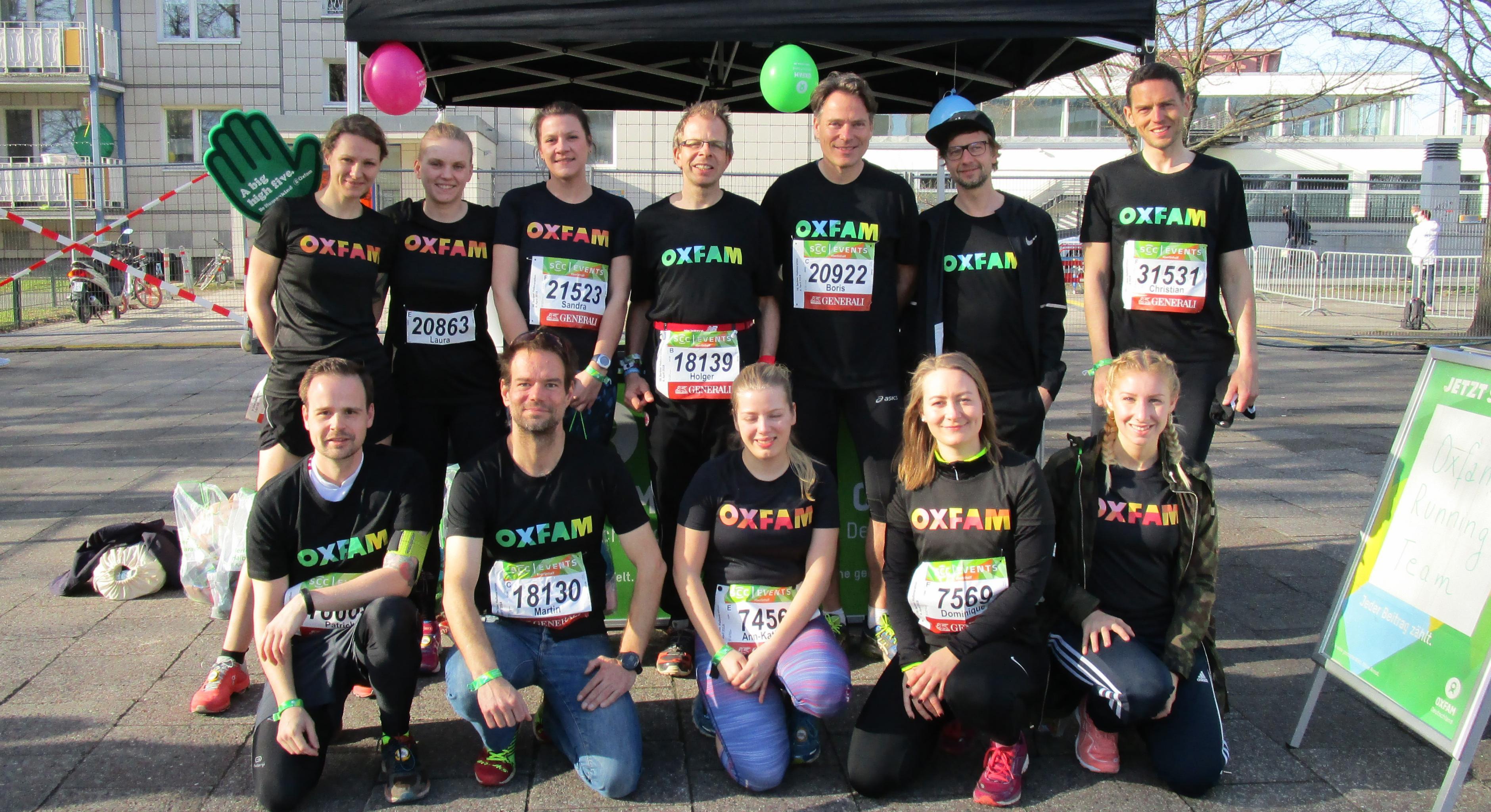 Einige Läuferinnen und Läufer des Oxfam Running Teams