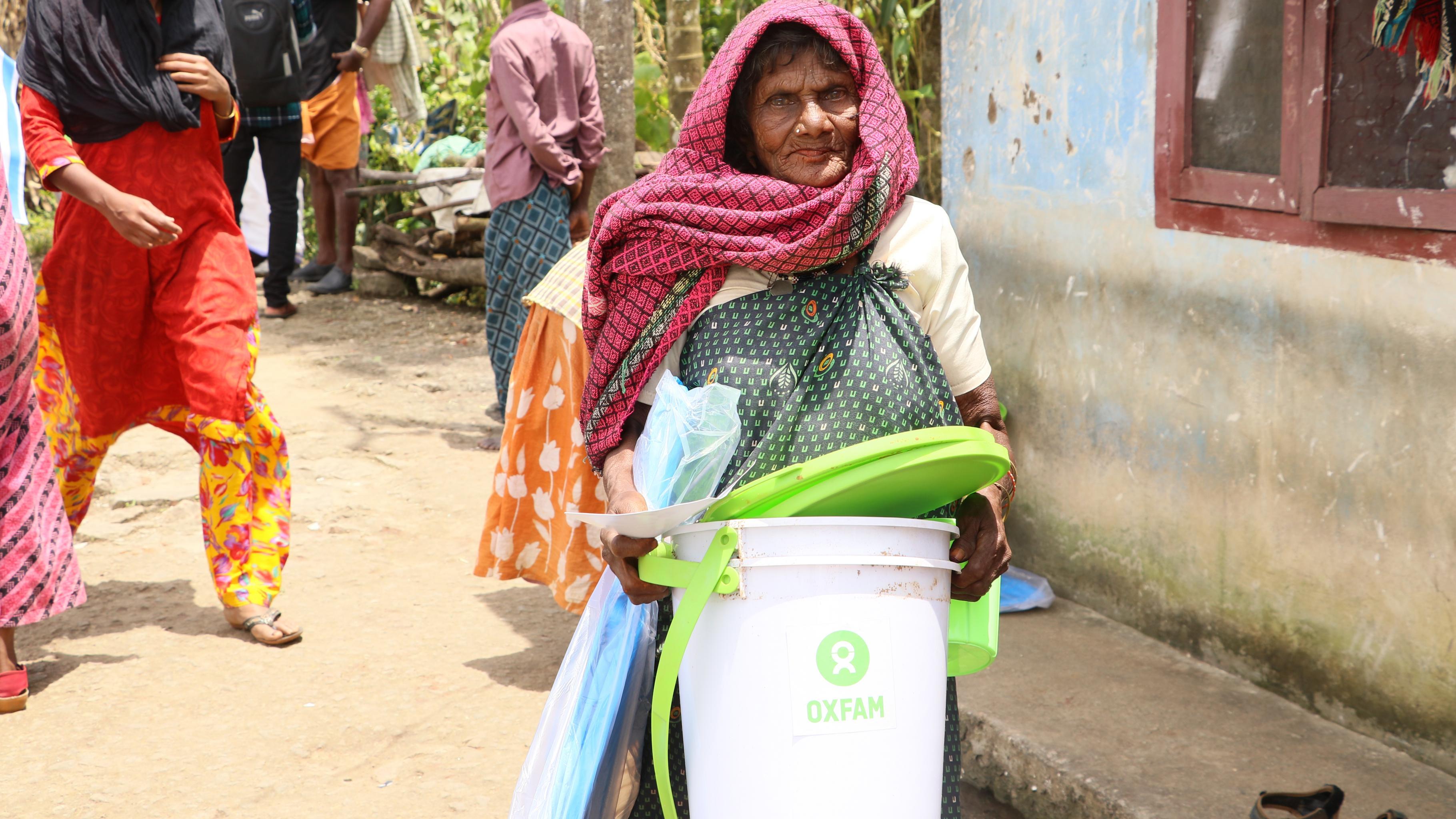 Frau, die Unterstützung von Oxfam erhalten hat