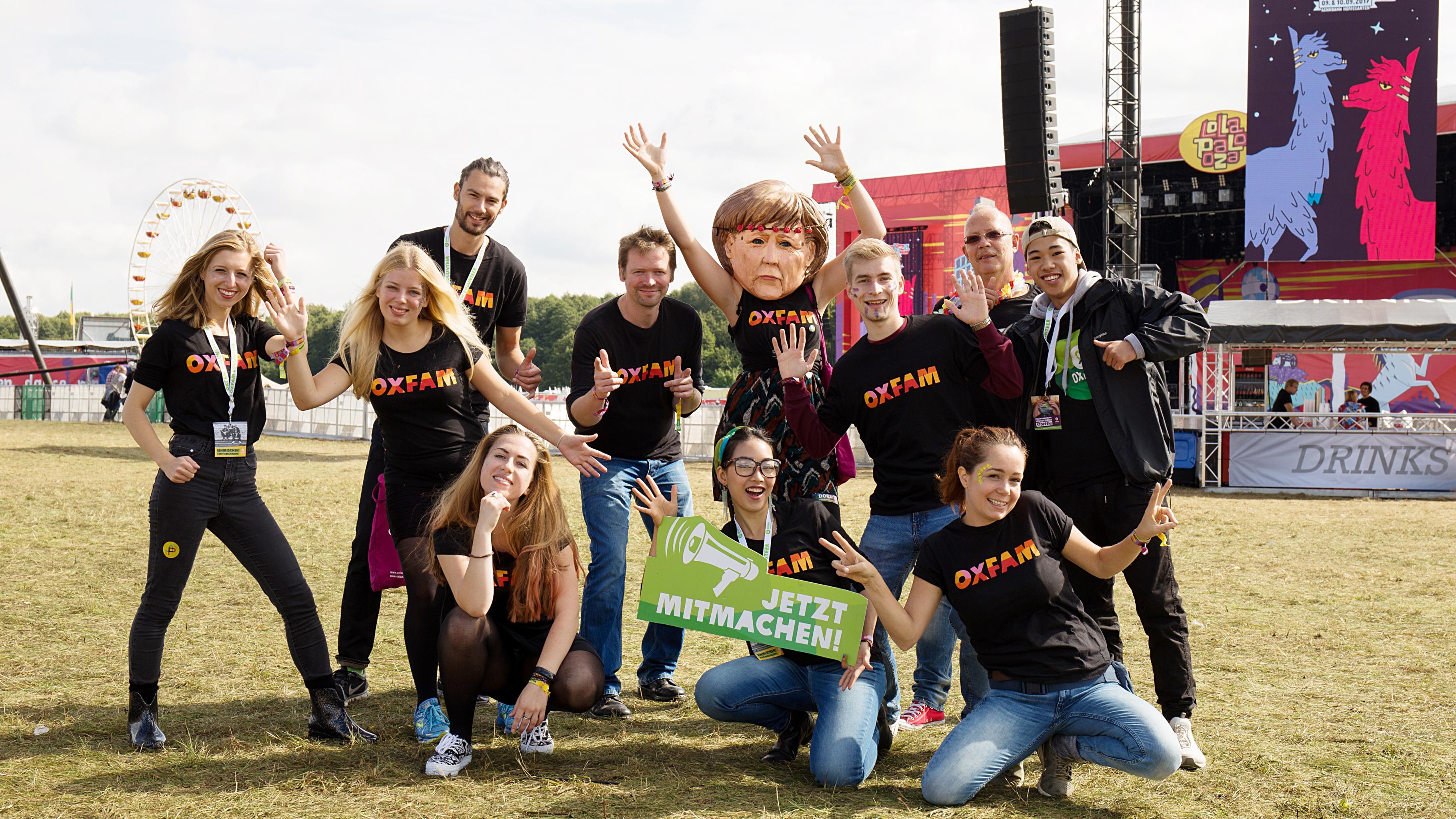 Das Team von Oxfam on tour auf dem Lollapalooza-Festival