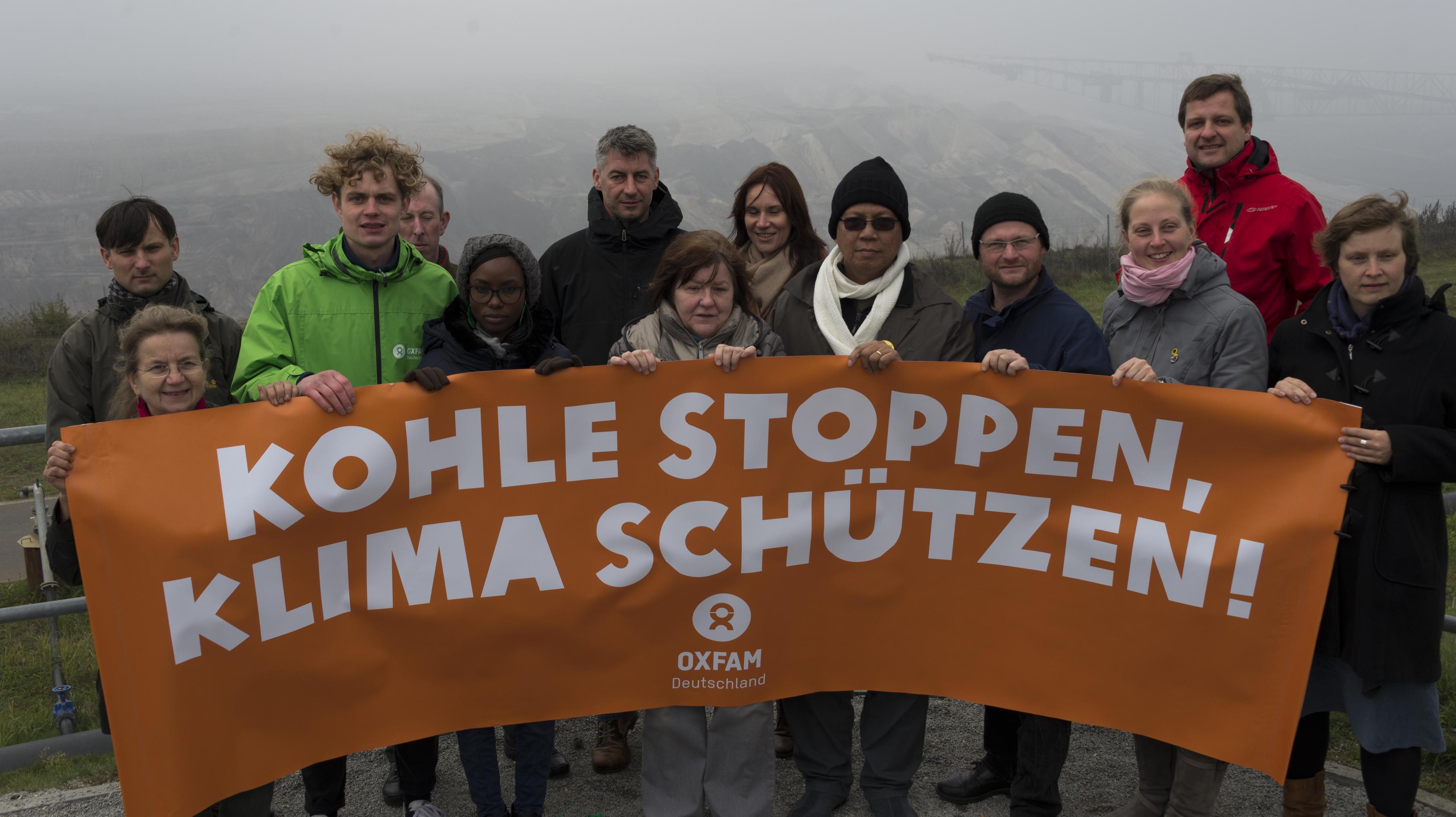 """""""Klimazeugen"""" und lokale Kohlegegner demonstrieren gegen Lausitzer Braunkohle"""
