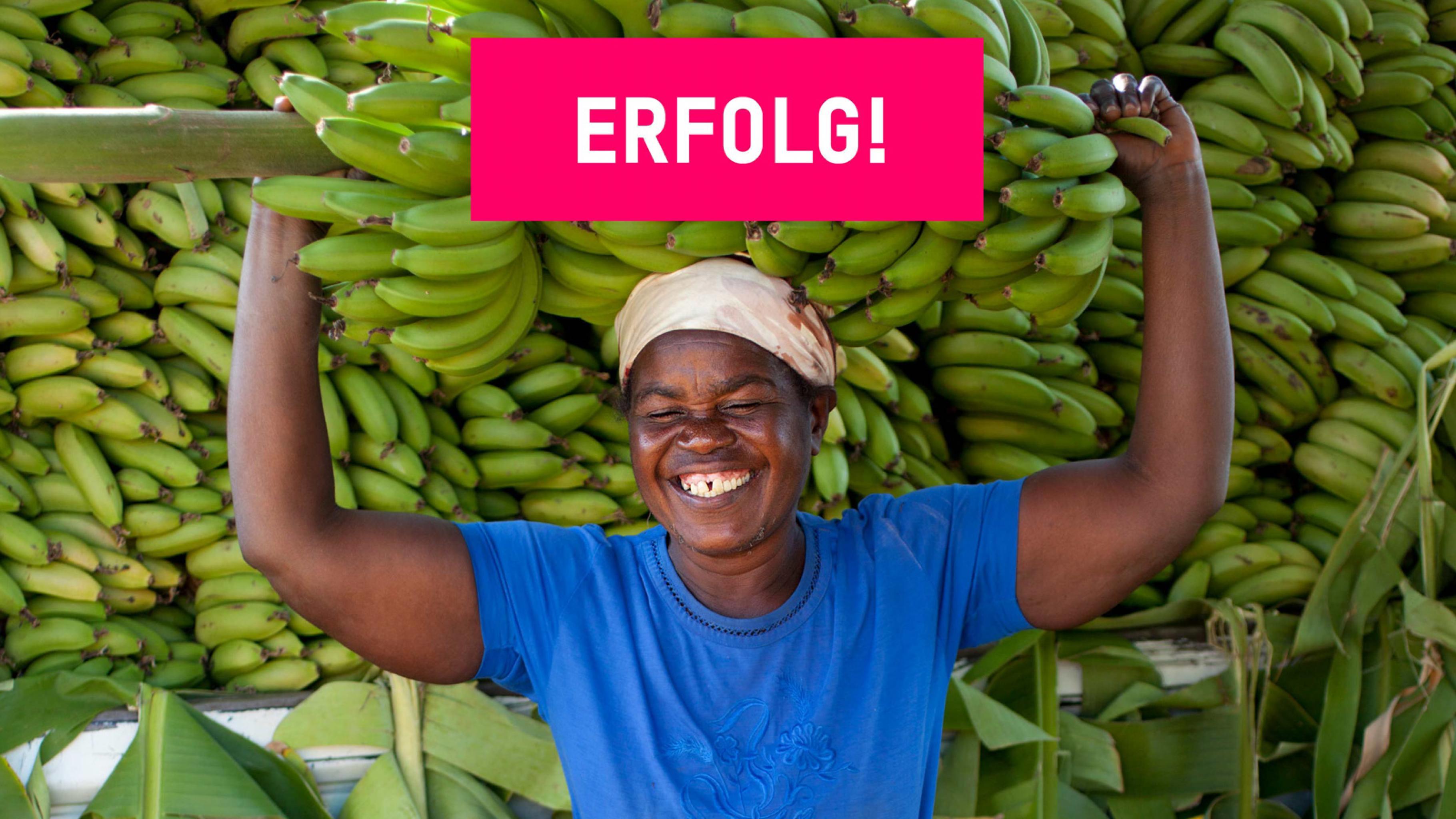Ruthy Myabepo aus Sambia mit Bananen