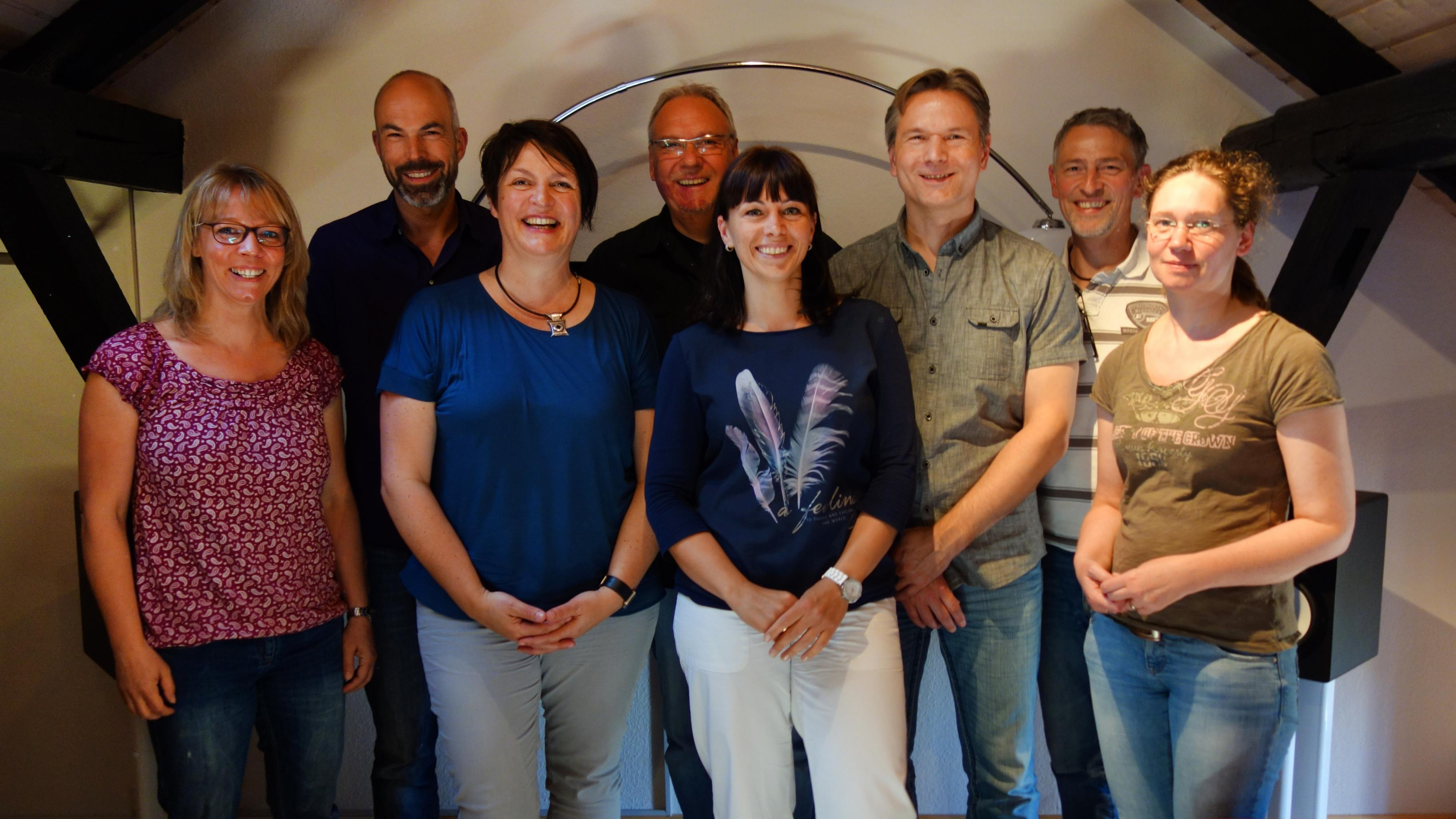 Gruppenfoto: Oxfam-Projektreferentin Stefanie Beck bei der Speaker Connection GmbH in Solingen