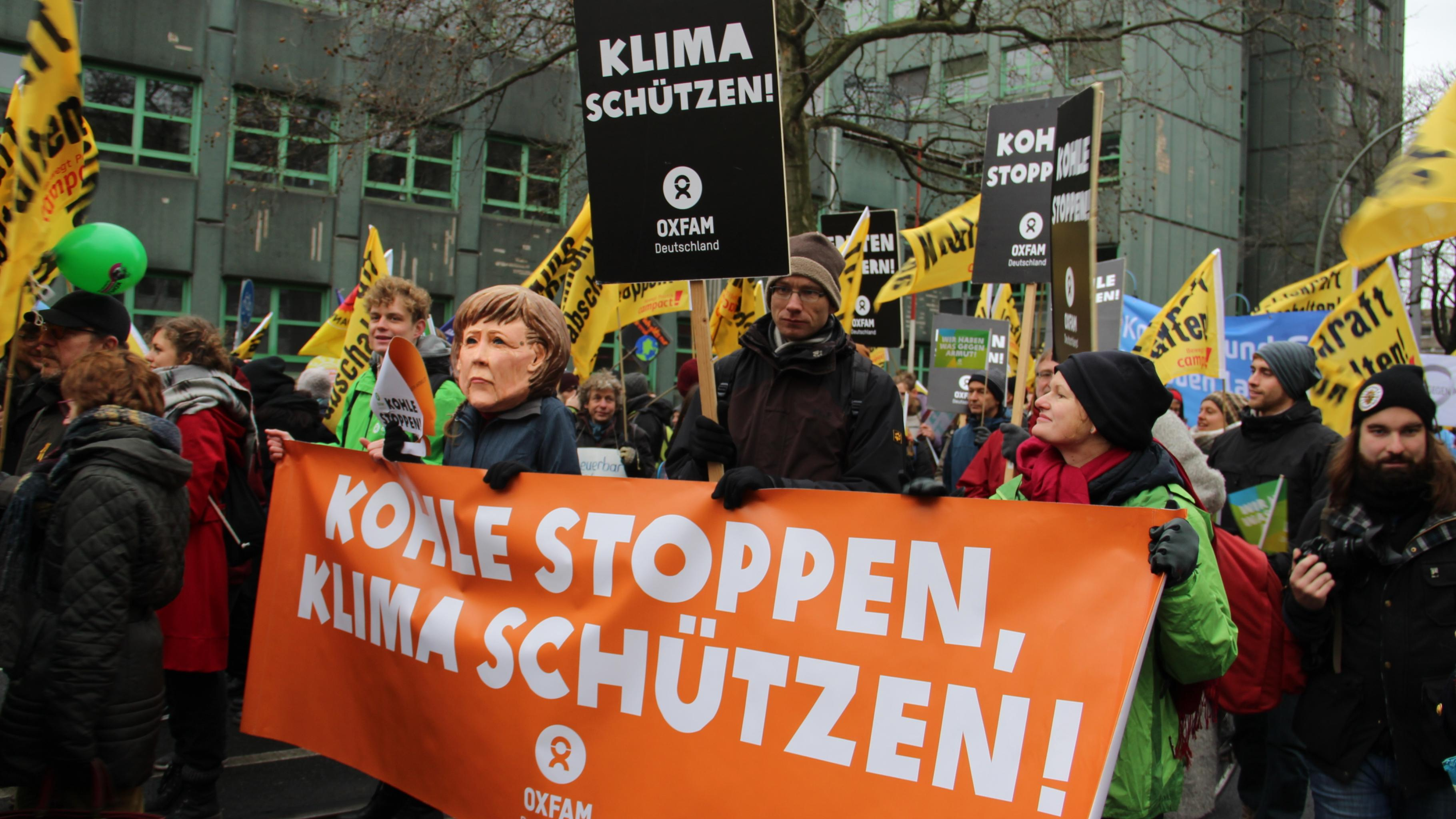Demonstration zum Global Climate March in Berlin vor dem Pariser Klimagipfel