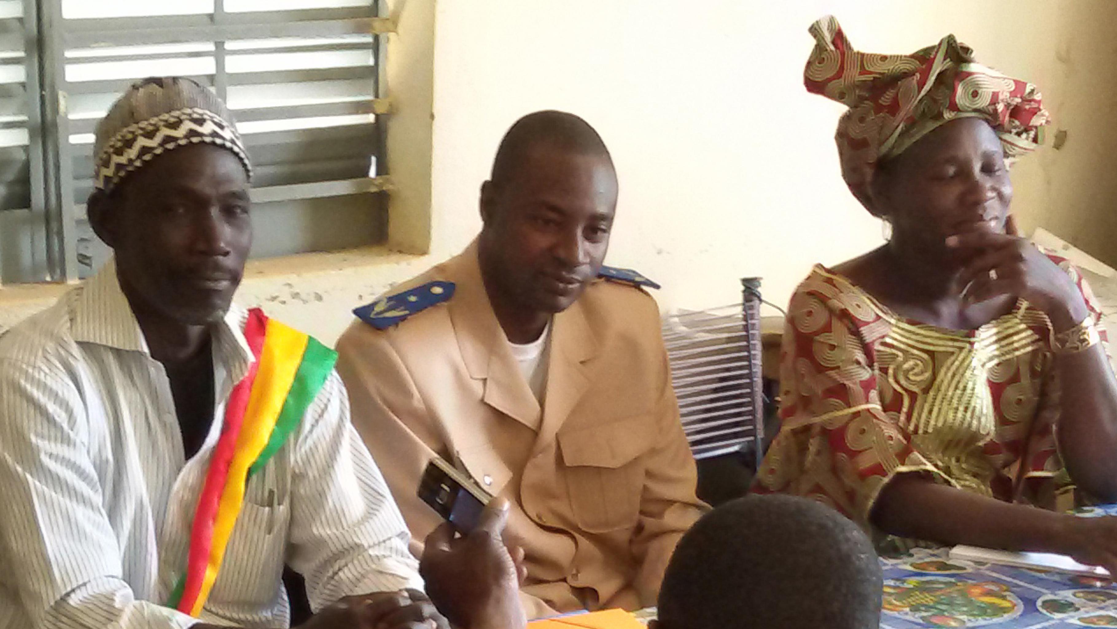 Der intensive Dialog zu Frauen- und Kinderrechten bezieht auch die lokalen Autoritäten mit ein.