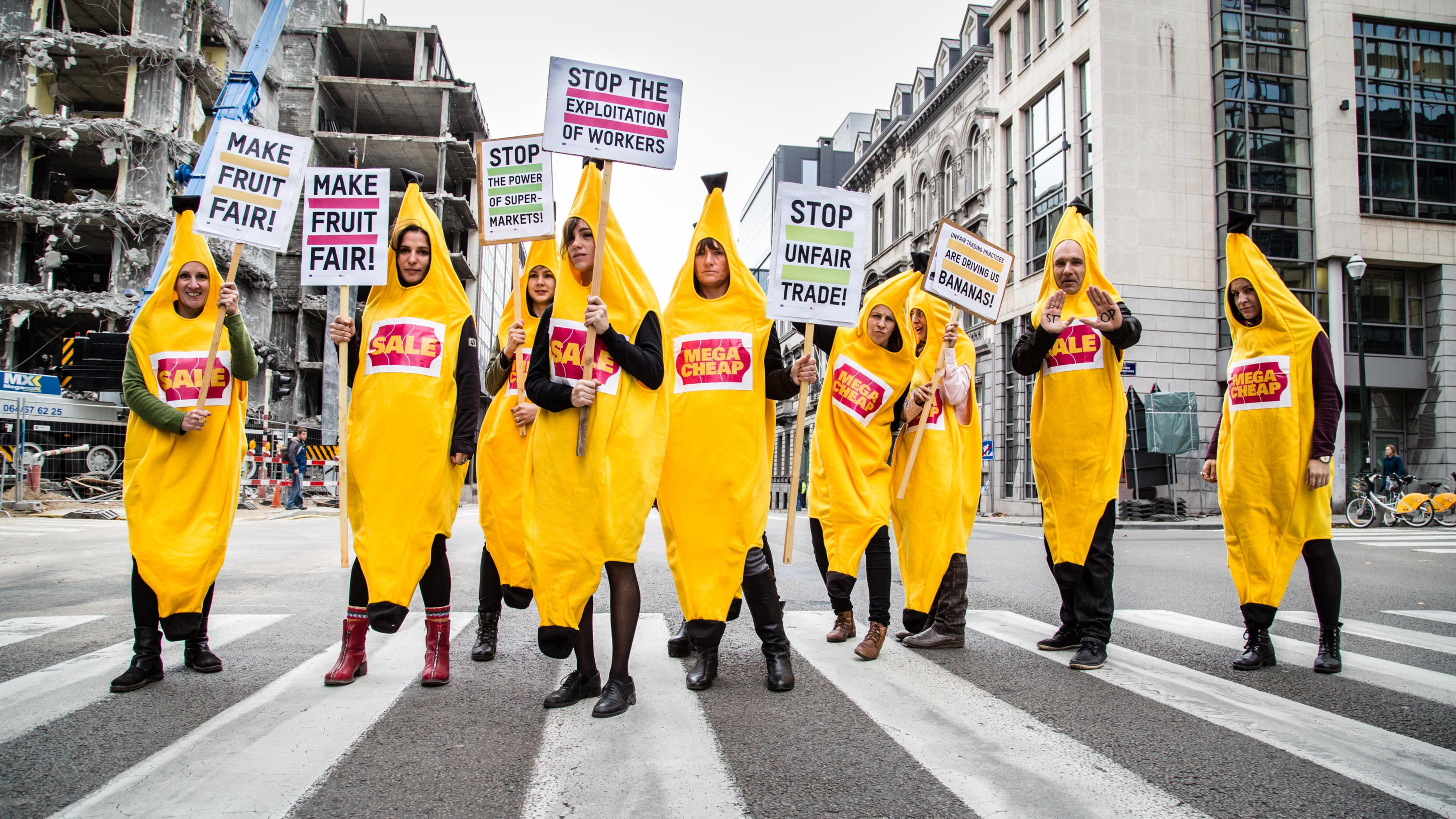 Make Fruit Fair: Aktivist/innen setzten ein Zeichen in Brüssel