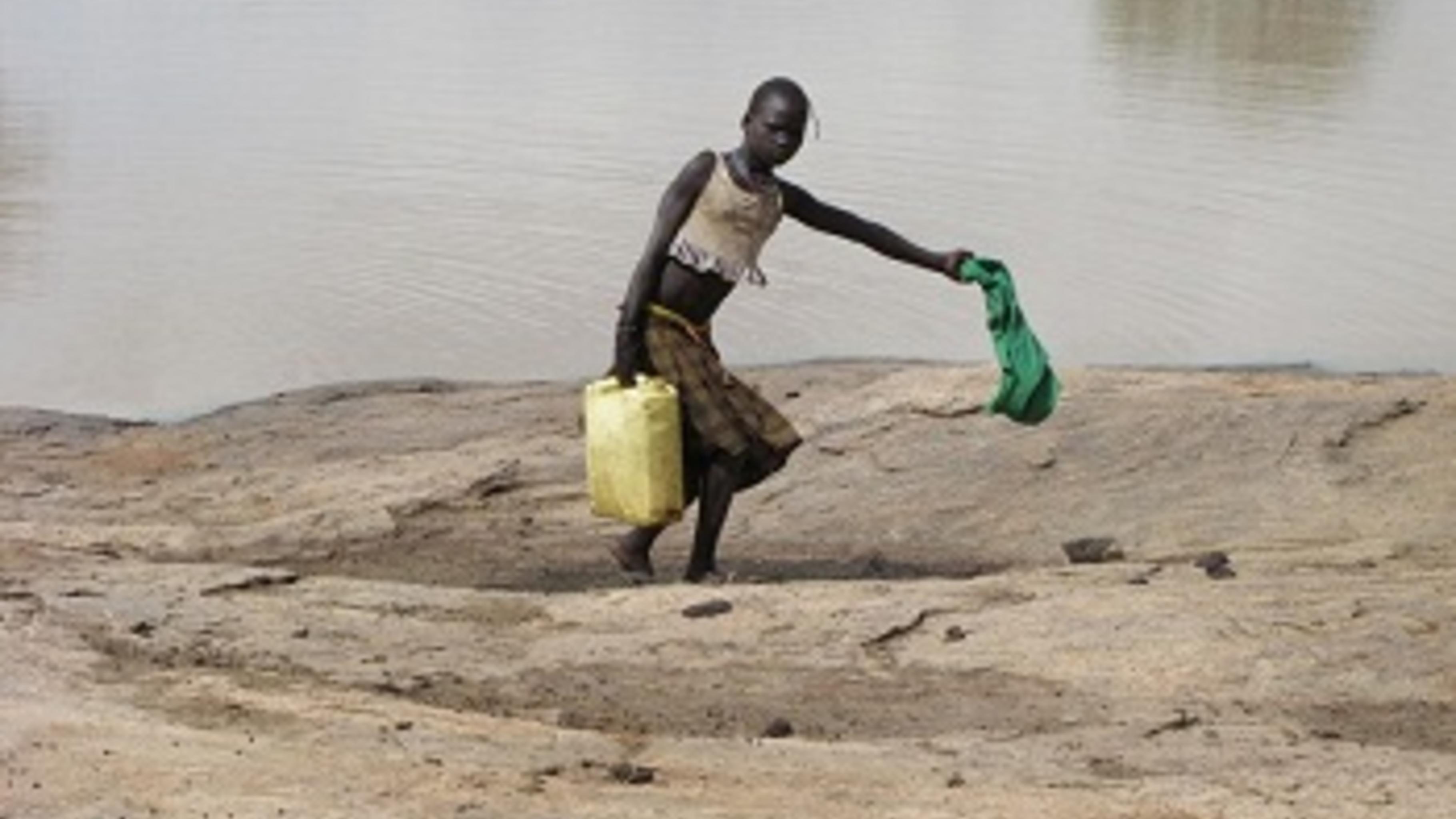Ohne Regen muss Trinkwasser viele Kilomerter entfernt geholt werden. © Caroline