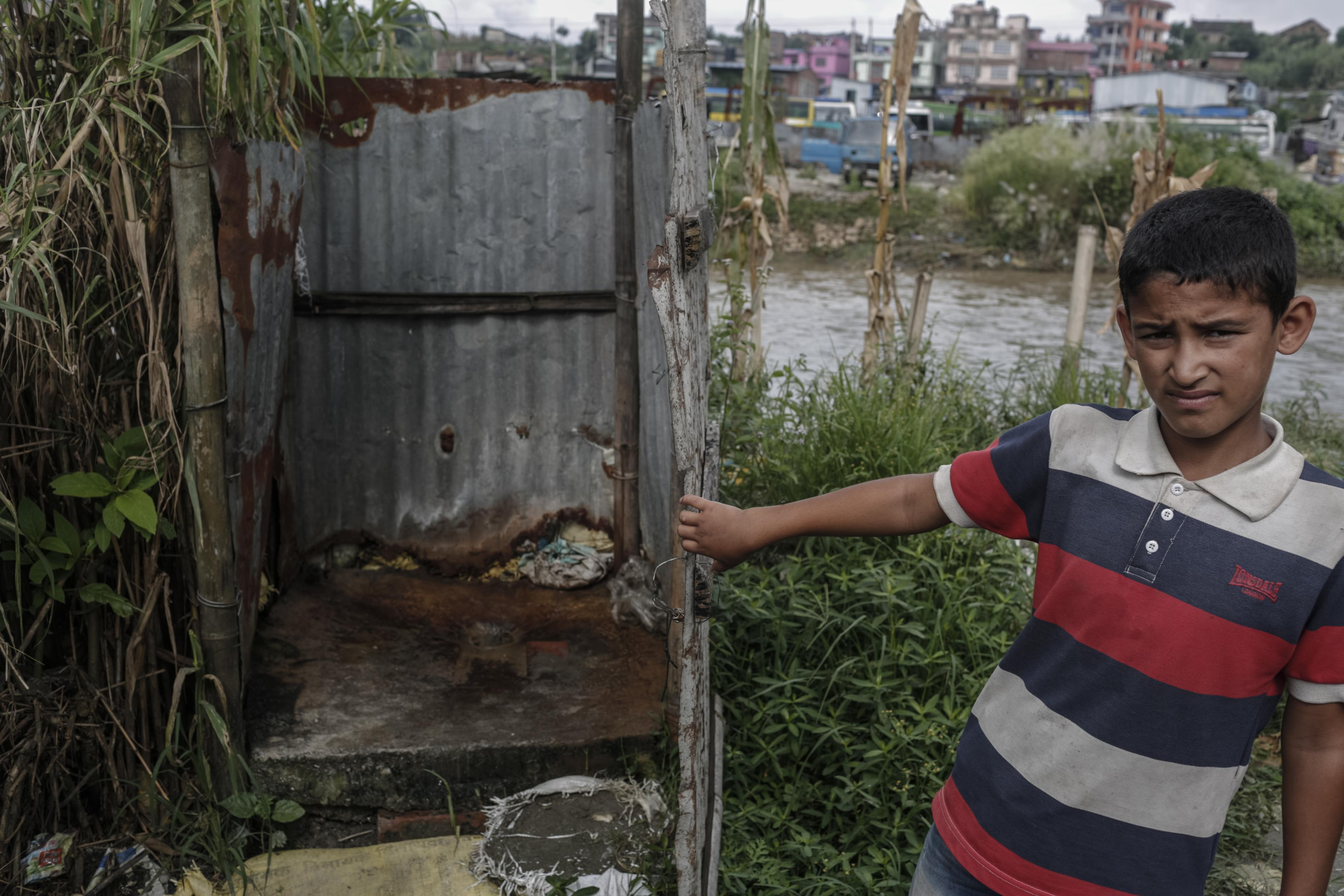 Eine öffentliche Toilette im Vorort Manuhara in Kathmandu