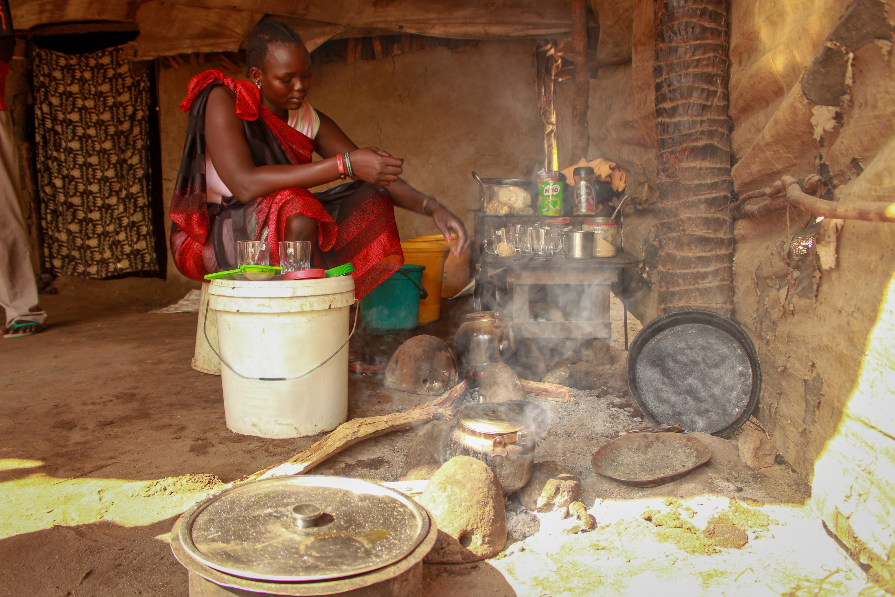 Elizabeth in ihrer Küche in Nyal