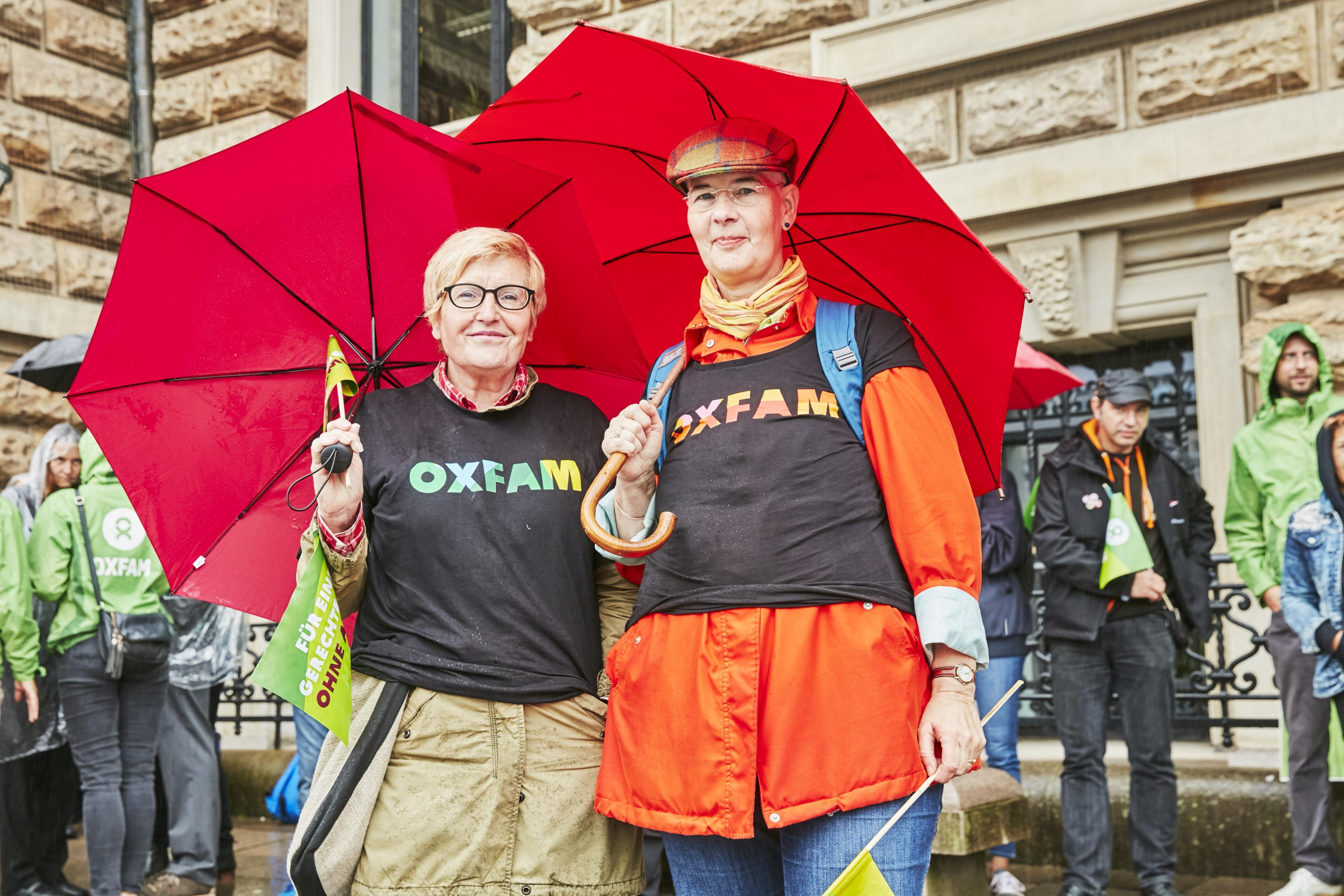 Ehrenamtliche aus den Oxfam Shops