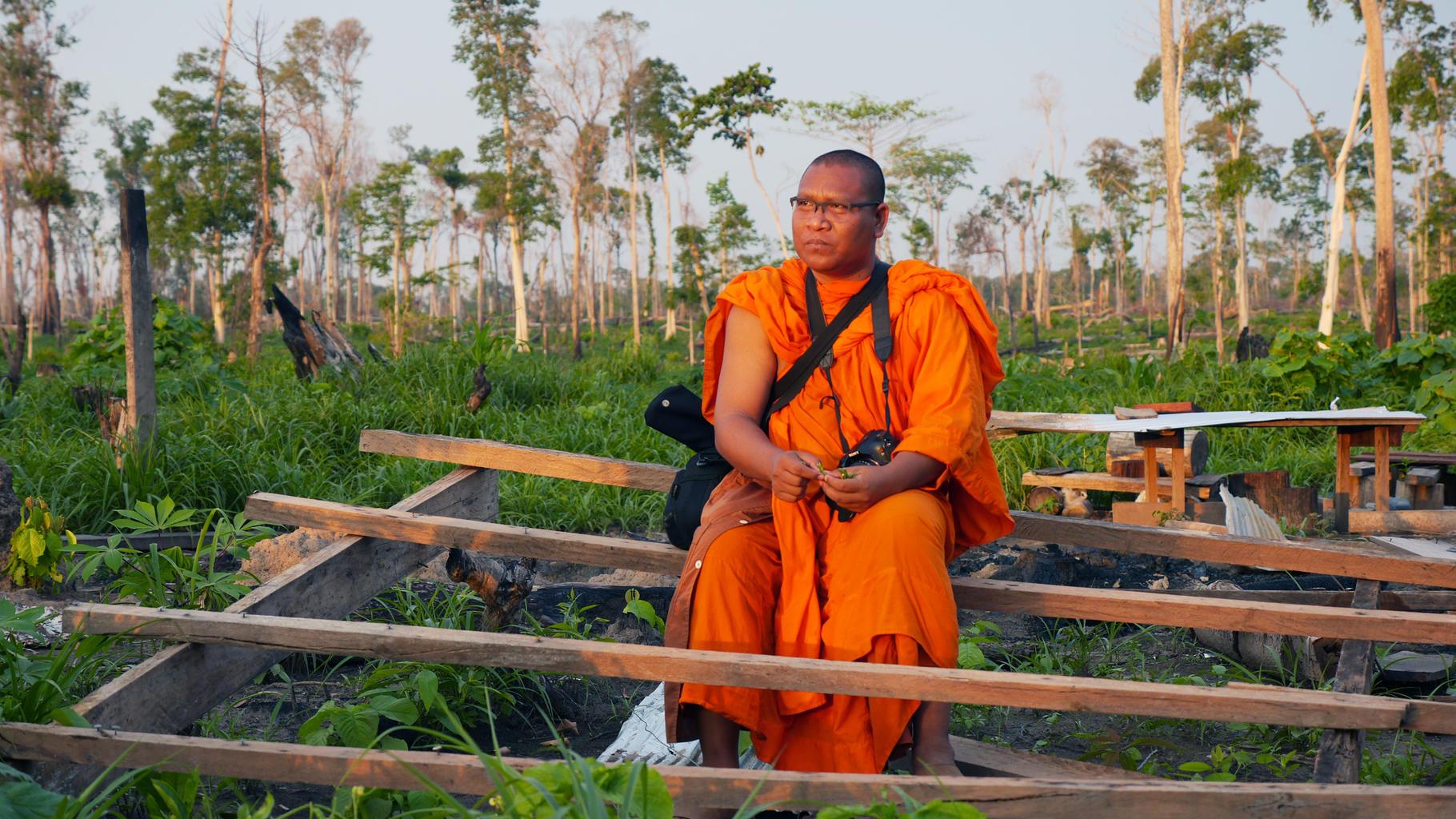 """""""Multimedia-Mönch"""" Luon Sovath kämpft in Kambodscha gegen den Landraub."""