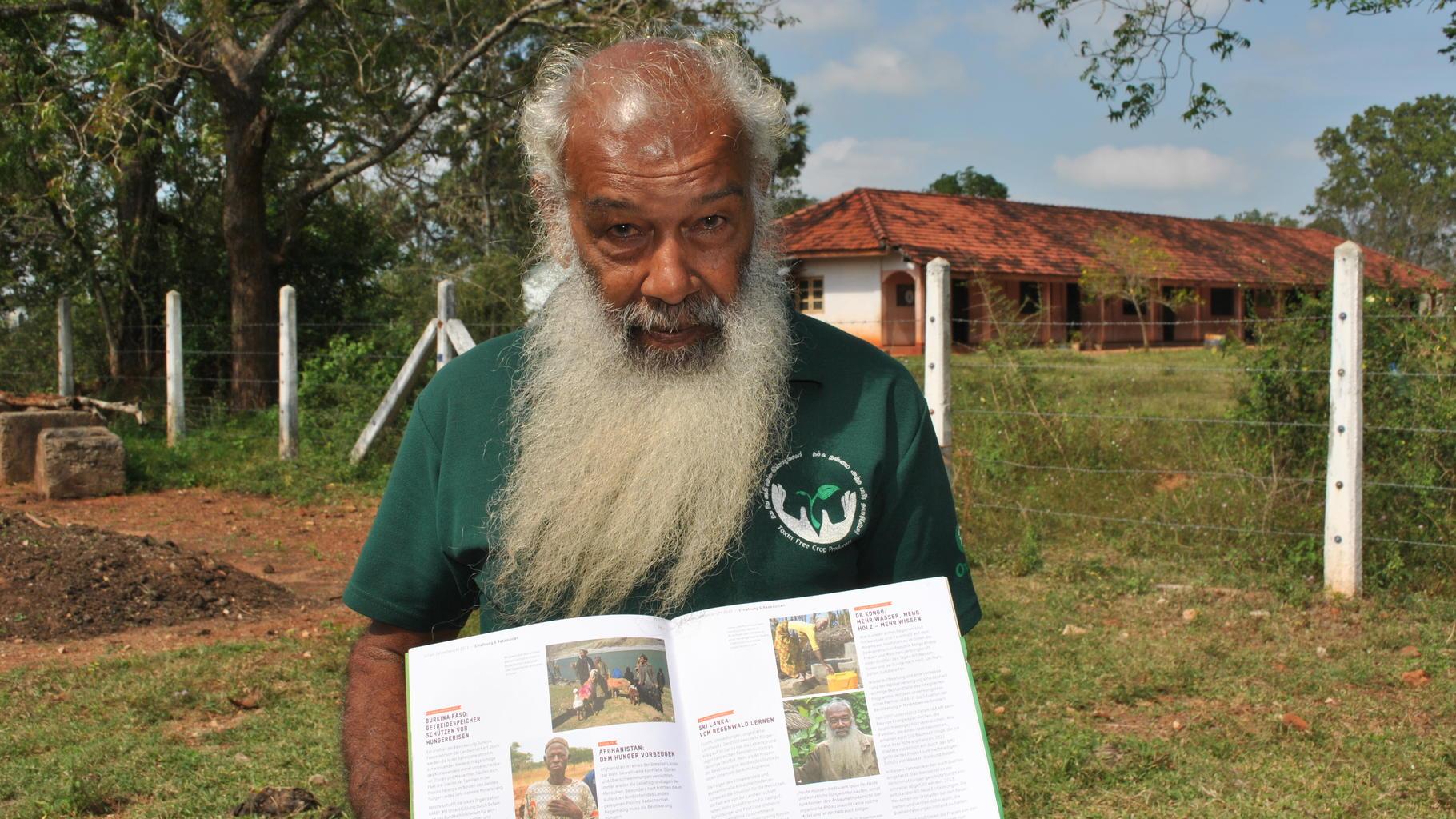 Wedamaththaya, Experte in Heilkunde und biologischem Anbau
