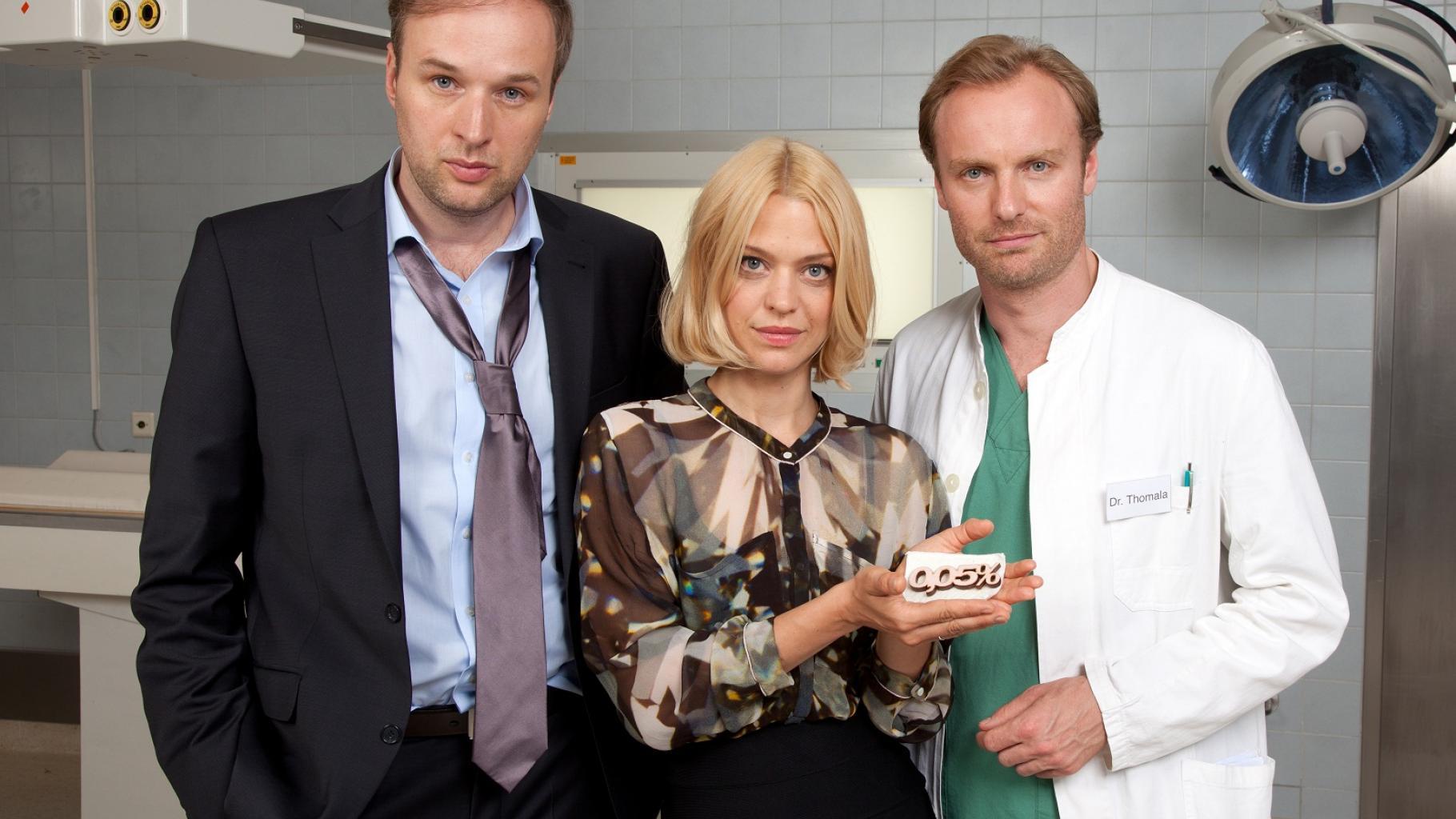 Stephan Grossmann, Heike Makatsch und Mark Waschke im neuen Oxfam-Video.