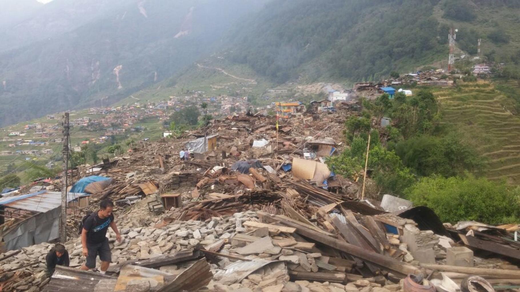Bild: Zerstörter Ort in Nepal. © Oxfam