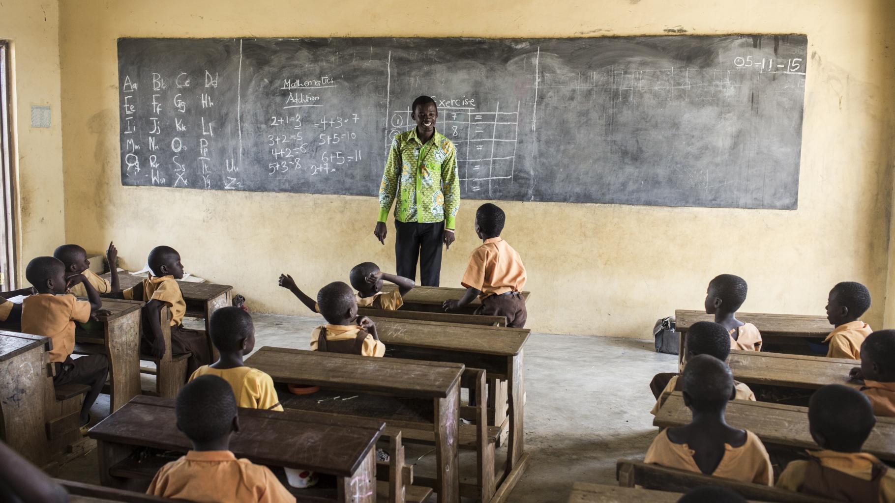 Schüler*innen in einer Schule in Ghana