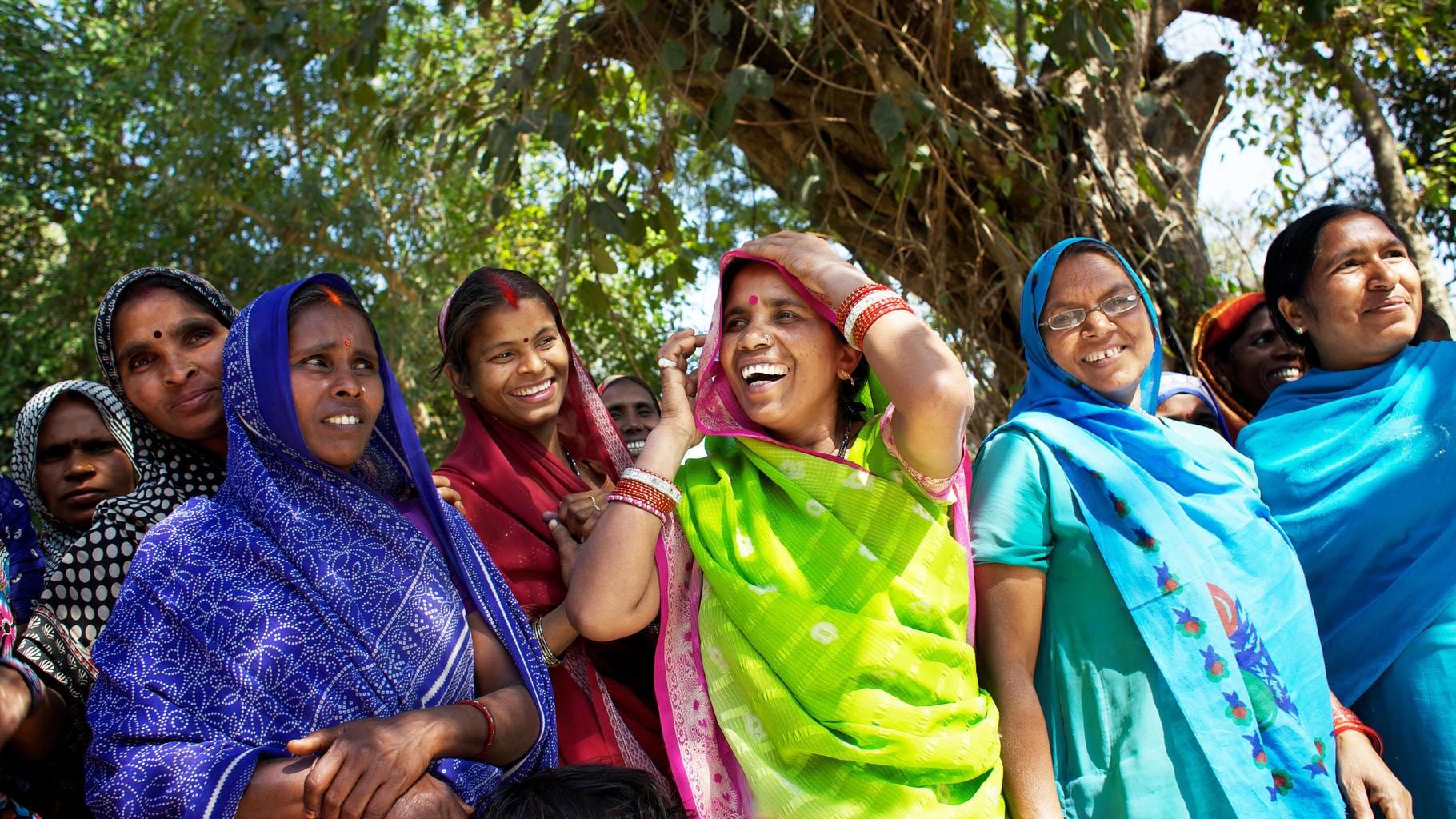 Frauen erhalten Schulungen in Indien