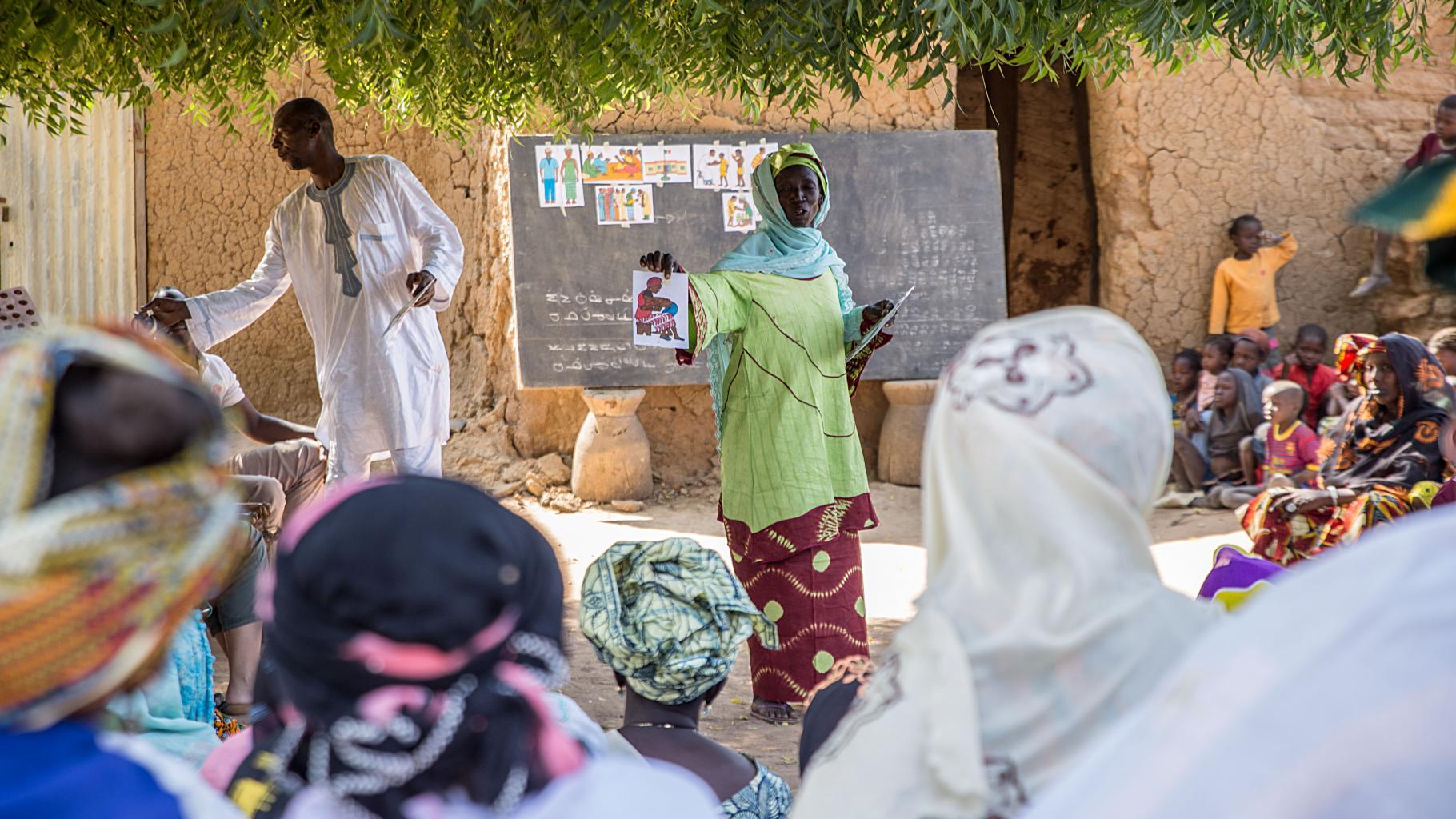Sensibilisierungsarbeit zu Frauen- und Kinderrechten, zu reproduktiver und sexueller Gesundheit kann nachhaltigen Wandel bewirken.
