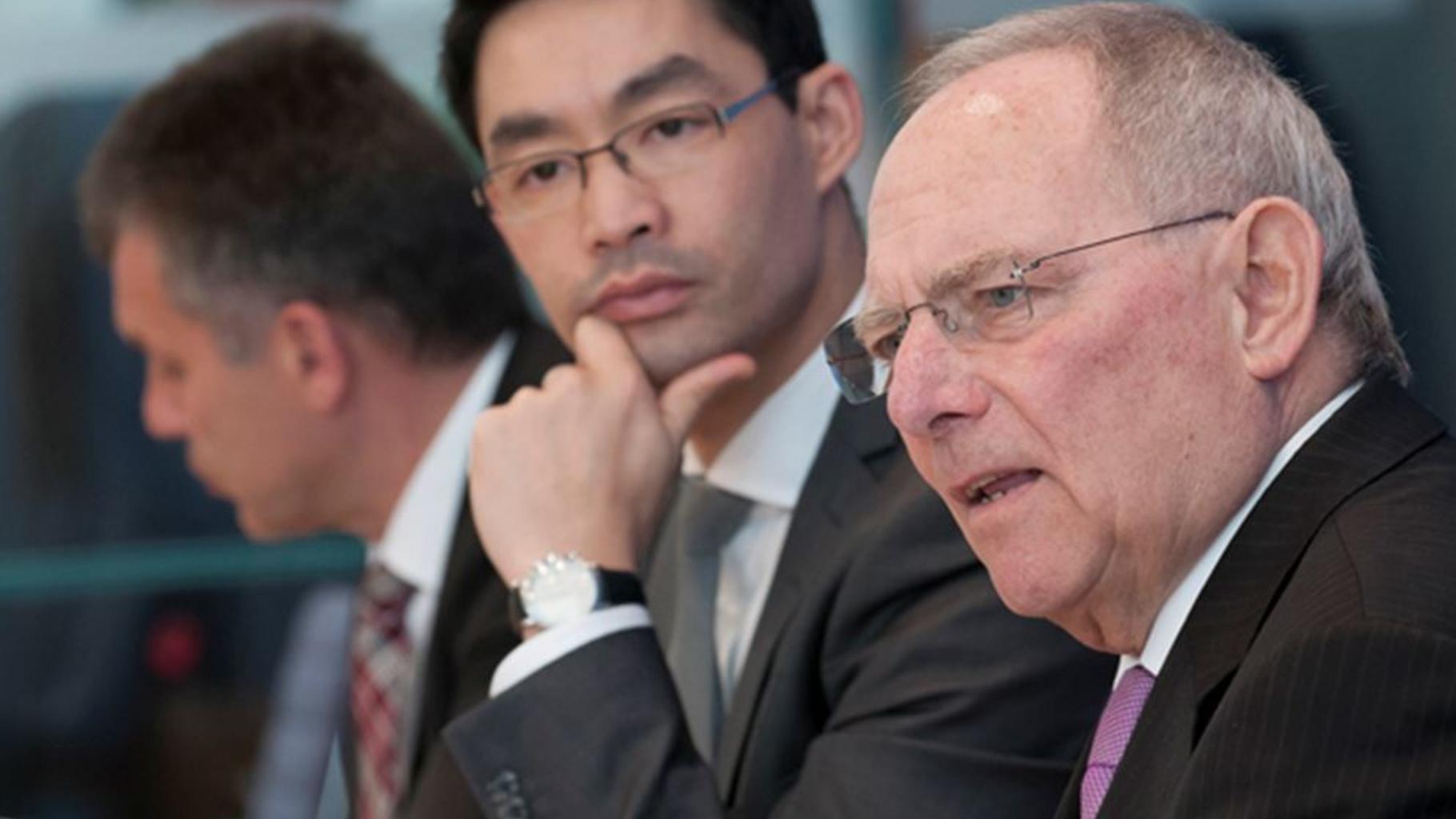 Rösler blockiert Klimaschutz, Schäuble kürzt Entwicklungshilfe