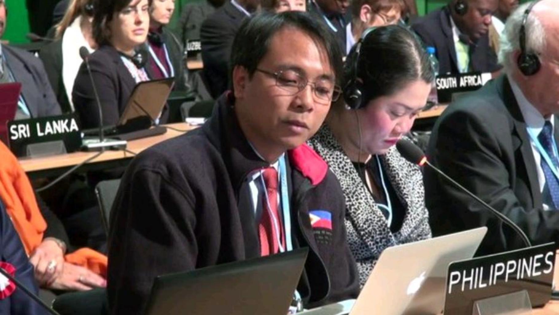 """Naderev Yeb Sano, Chef der philippinischen Delegation: """"Stoppt den Wahnsinn!"""""""